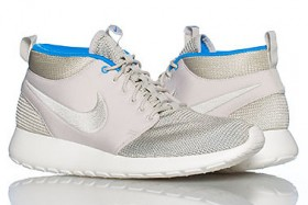 Roshe Mid Mortar-Blue Hero-Sail