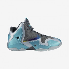 LeBron-11-35y-7y-Kids-Basketball-Shoe-621712_400_A